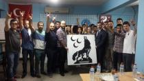 MHP Sakarya İl Teşkilatı başkan yardımcısı Halil Hakan Oturak Hendek Ülkü Ocaklarını ziyaret etti