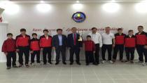 Hendek Güreş İhtisas Kulübü Takım Halinde Türkiye Şampiyonu