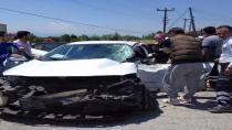 Kargalıda Yine Kaza Tır Otomobile Çarptı