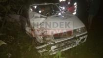 Bayraktepe Yolunda Otomobil Tarlaya Uçtu: 1 Ölü 4 Yaralı