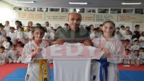 Egemen Mobilyadan Karatecilere Jest